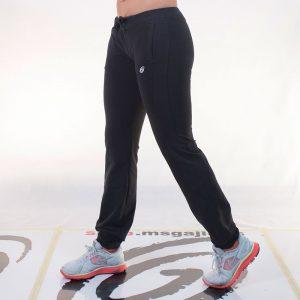 ženska fitness trenerka
